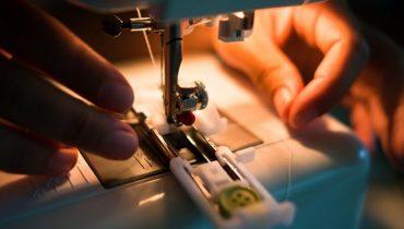 Handheld-sewing-machine