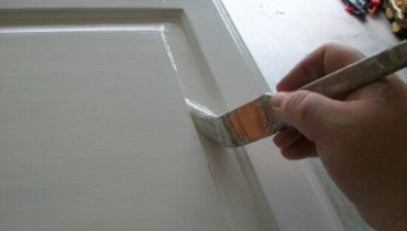 Painting-Easy-Rust-Oleum-Chalked-Paint